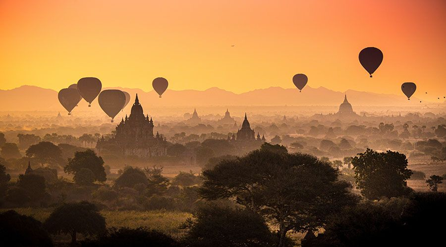 A picture of Myanmar's landscape and hot air balloons.